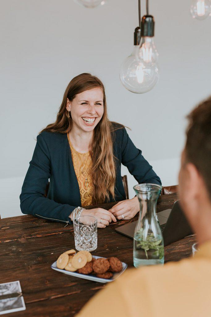 Samen aan tafel, werken aan een effectieve online marketingstrategie